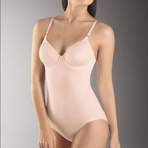 Hanro underwire bodysuit nude tan 34 B
